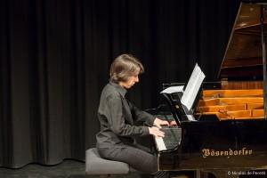 Karine Selo, Pianistin